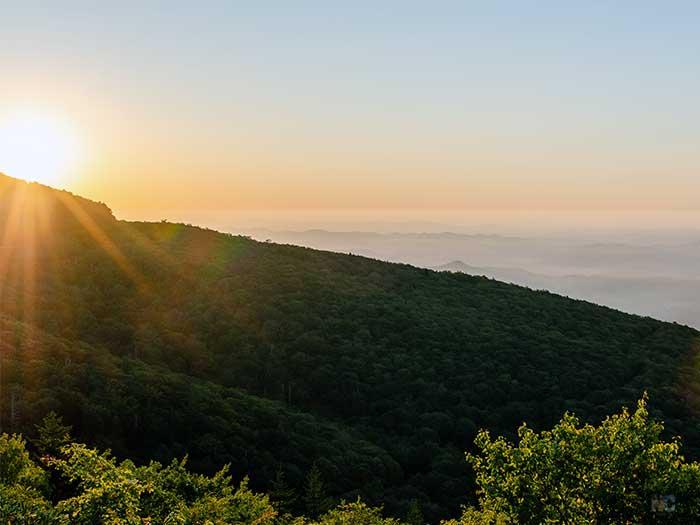 NC Trails Rough Ridge Overlook Image