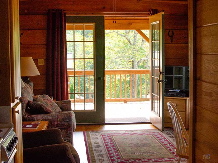 Where to Stay in Asheville NC Area Engadine Inn and Cabins Image