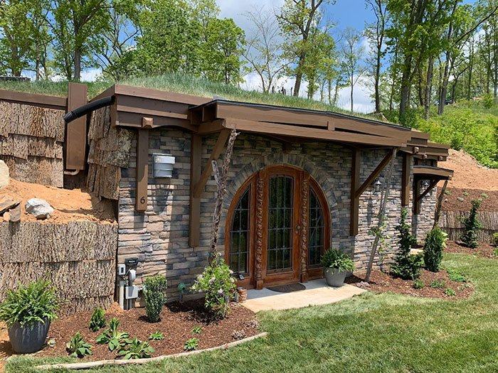 Hobbit hole Airbnb in Asheville
