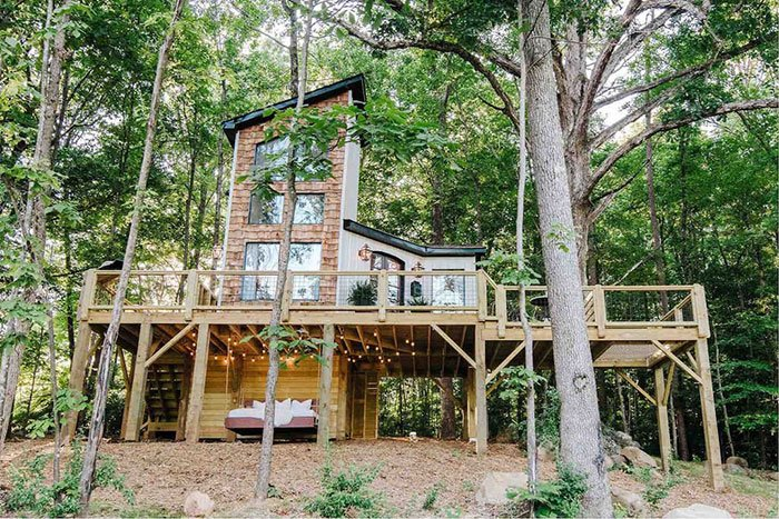 The Carolina Treehouse AirBnB in Charlotte NC