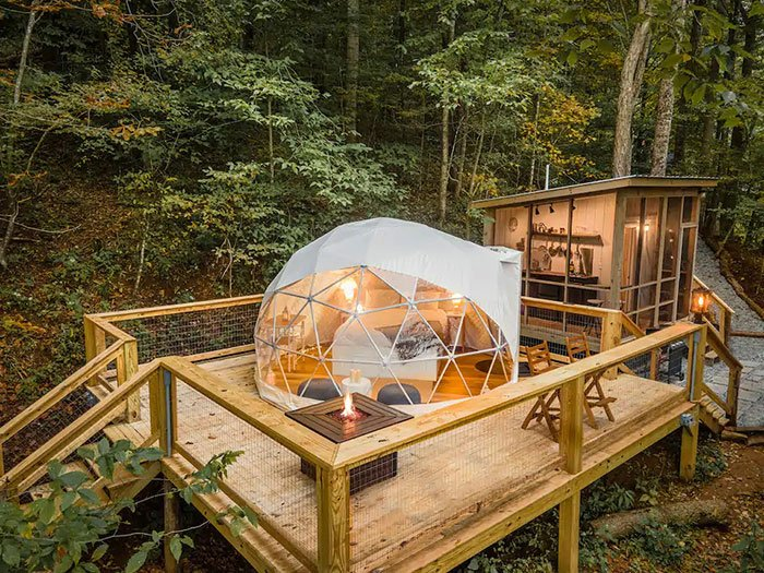 Tiny Geopod in Todd Boone Airbnb