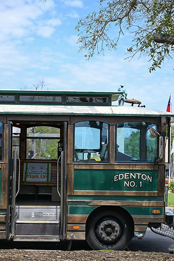 Trolley tour side things to do in Edenton NC.