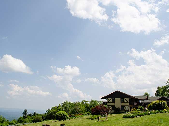 Things to Do in North Carolina Mountain Resorts Little Switzerland Inn