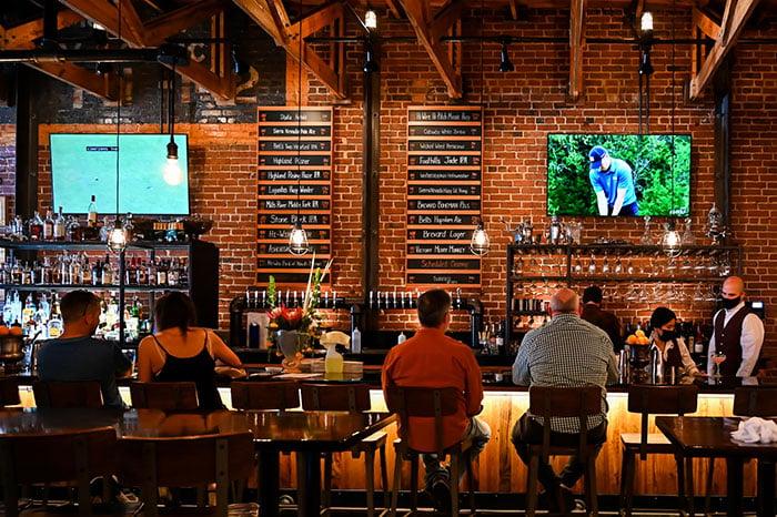 Hendersonville Restaurants Shine